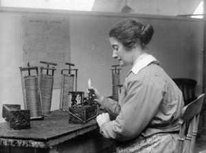 THE EMPLOYMENT OF WOMEN IN BRITAIN 1914-1918