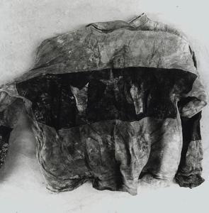 Fundstücke Kosovo 2000 - Pullover Nr 1