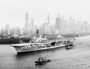 VISIT OF HMS ARK ROYAL TO NEW YORK. JUNE 1957, AFTER TAKING PART IN THE INTERNATIONAL NAVY REVIEW IN VIRGINIA, THE AIRCRAFT CARRIER CALLED IN AT NEW YORK.