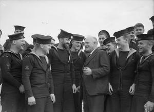 NEW ZEALAND HIGH COMMISSIONER VISITS CORVETTE. 24 FEBRUARY 1944, GREENOCK. THE NEW ZEALAND HIGH COMMISSIONER, MR JORDAN, PAID A VISIT TO NEW ZEALAND'S NEW FLOWER CLASS CORVETTE, HMNZS ARABIS.