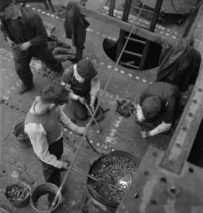 GLASGOW SHIPYARD: SHIPBUILDING IN WARTIME, GLASGOW, LANARKSHIRE, SCOTLAND, UK, 1944