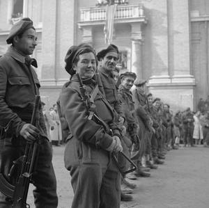 8TH ARMY FRONT: ITALIAN PARTISAN LEADER HONOURED