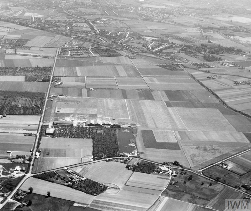 AERIAL VIEWS IN THE UNITED KINGDOM, 1941-1942