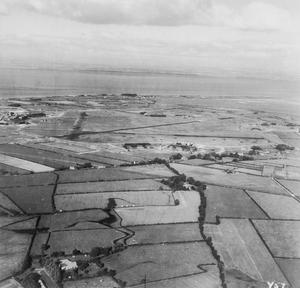 AERIAL VIEWS IN THE UNITED KINGDOM, 1941-1942.