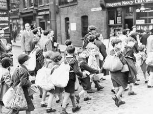THE CIVILIAN EVACUATION SCHEME IN BRITAIN DURING THE SECOND WORLD WAR