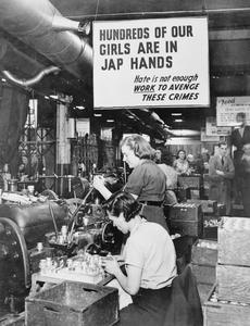 WOMEN WORKING IN INDUSTRY IN BRITAIN DURING THE SECOND WORLD WAR