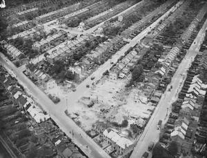 BOMB DAMAGE IN LONDON, ENGLAND APRIL 1945