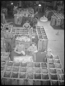 ARMY POST OFFICE: CORRESPONDENCE AND MAIL IN WARTIME, ENGLAND, UK, 1944