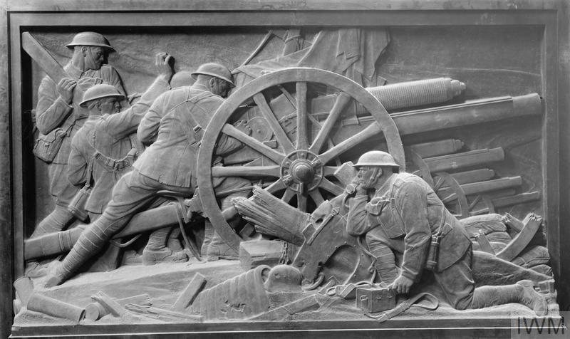 18-pdr Gun in Action : a cast of a panel of the Guards'Memorial, St James' Park