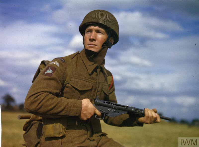 PARATROOP TRAINING IN BRITAIN, OCTOBER 1942