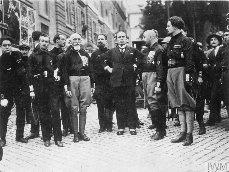 BENITO MUSSOLINI: 1883-1945