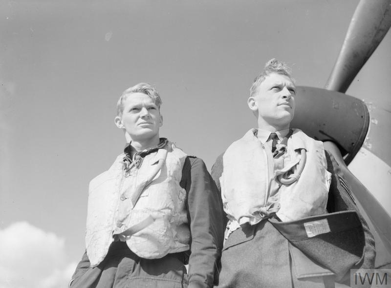 Jennings (right) with Flying Officer Frank Brinsden.