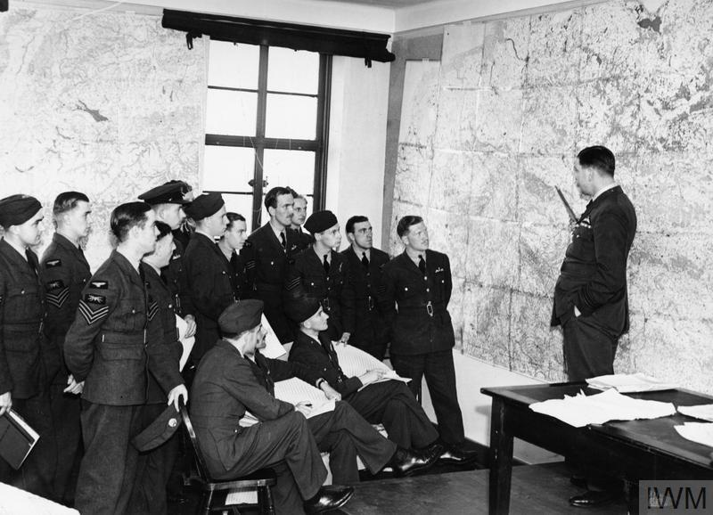 Whitley bomber crews attend a briefing before a raid over Germany, 29 August 1940.