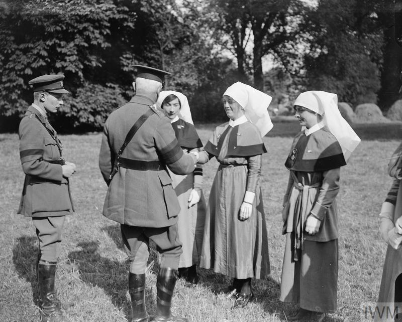 THE SERVICE OF VOLUNTARY AID DETACHMENT ON THE WESTERN FRONT, 1914-1918