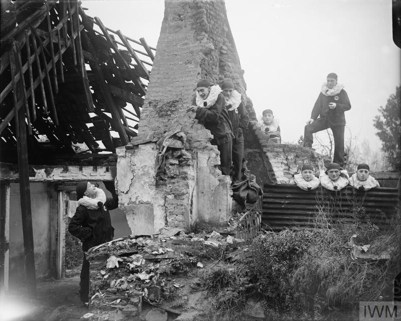 The Jocks, entertainment troupe of the 15th Division, among the ruins of Blangy, 19 October 1917.