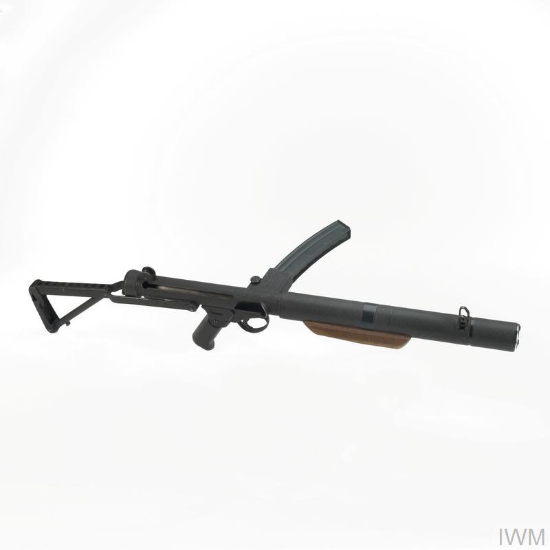 Sterling-Patchett Sub-machine Gun 9mm Mk5 | Imperial War Museums