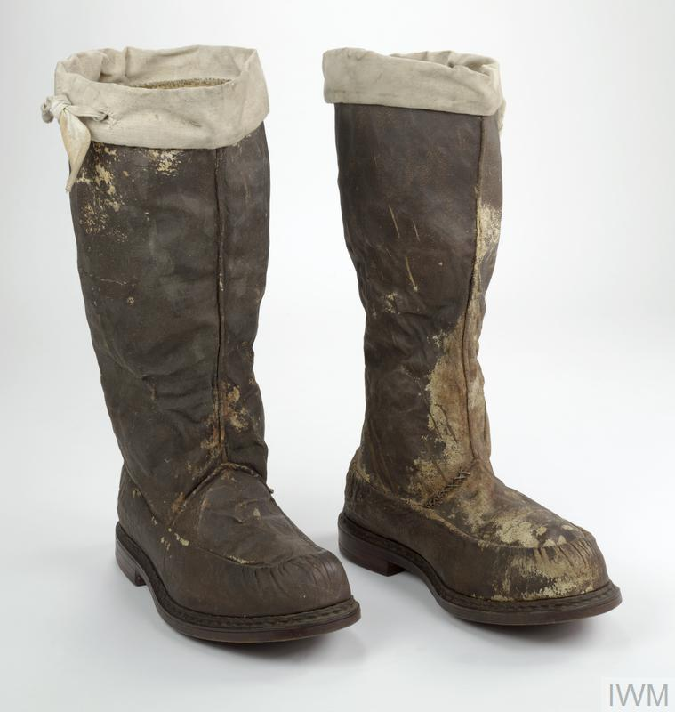 Boots knee length oilskin, leather sole