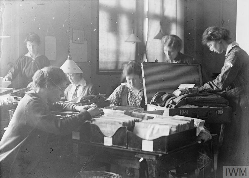 THE PRISONERS OF WAR INFORMATION BUREAU, 1914-1918