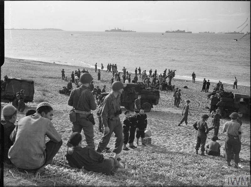 THE ROYAL NAVY, NOVEMBER 1942 | - 90.6KB