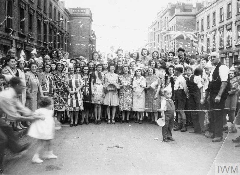 VICTORY STREET PARTY, BENWELL ROAD, HOLLOWAY, LONDON, N7, 1945