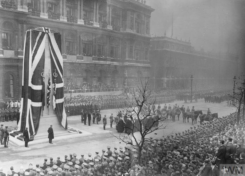© IWM (Q 31513) The gun carriage bearing the Unknown Warrior at the Cenotaph on Whitehall for the unveiling ceremony by King George V on 11 November 1920, the second anniversary of the Armistice.