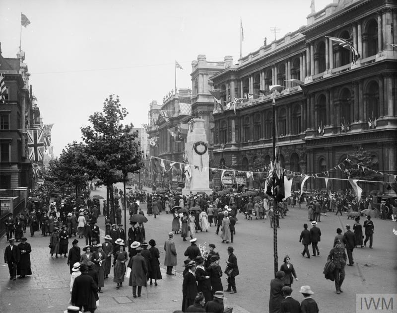 Spectators after the parade at the Cenotaph, Whitehall, 19th July 1919 © IWM (Q 28769)