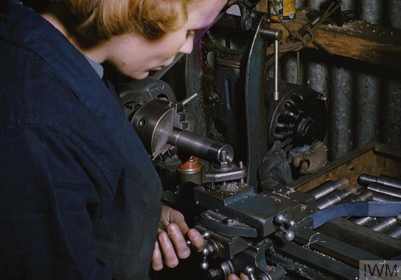STEN GUN PRODUCTION IN BRITAIN, 1943