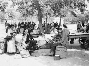 The great fire in Salonika town, 18-21 August 1917: Refugees displaced by the fire rest with their salvaged belongings on the 'Field of Mars' on the eastern edge of Salonika. SCENES IN SALONIKA DURING THE FIRST WORLD WAR