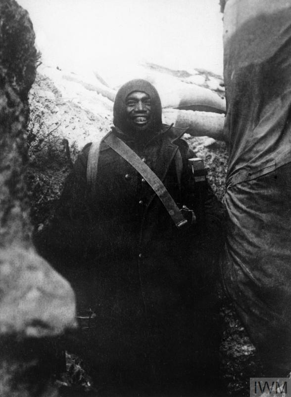 A Maori in the Apex trenches on 30 November 1915. The cheerfulness of the Maoris in the New Zealand contingent, despite terrible conditions, was noted by many observers.