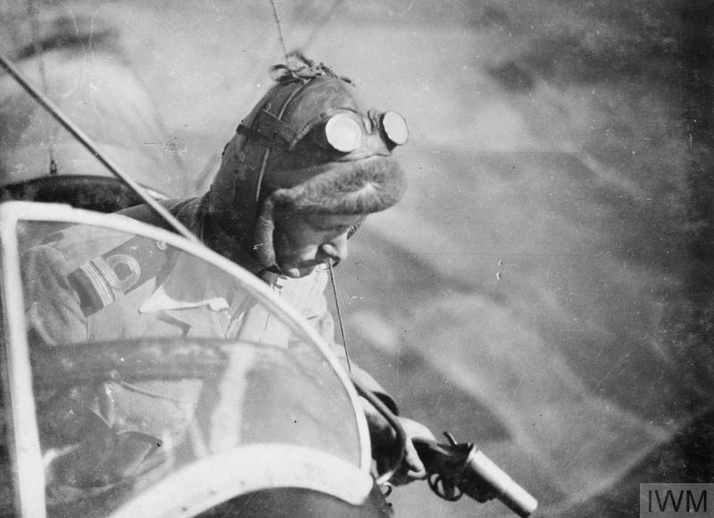 BRITISH AIRSHIP PILOTS IN THE FIRST WORLD WAR