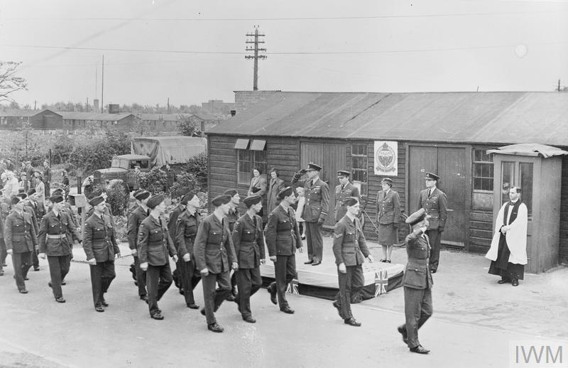 VJ DAY PARADE AND SERVICE AT RAF WATNALL