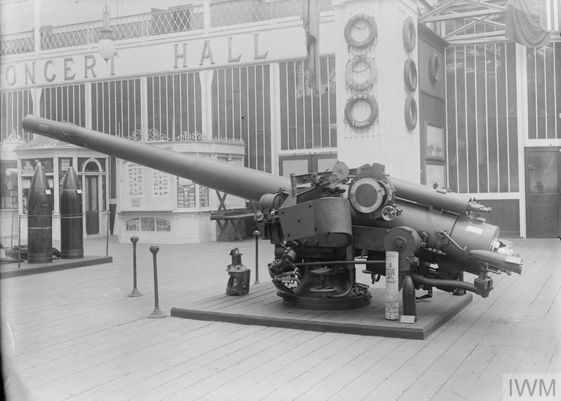 The HMS Chester gun on display at the Imperial War Museum in Crystal Palace, 1922.