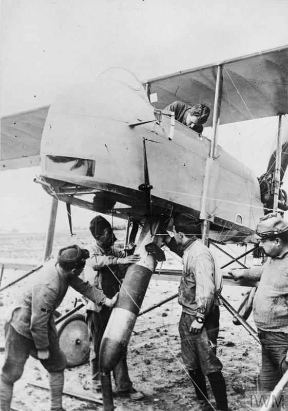 THE FIRST WORLD WAR 1914 - 1918: THE WAR IN THE AIR