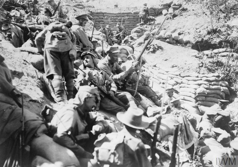 Support troops from the 4th Australian Infantry Brigade wait behind Quinn's Post, Gallipoli, after it was retaken on 29 May 1915.