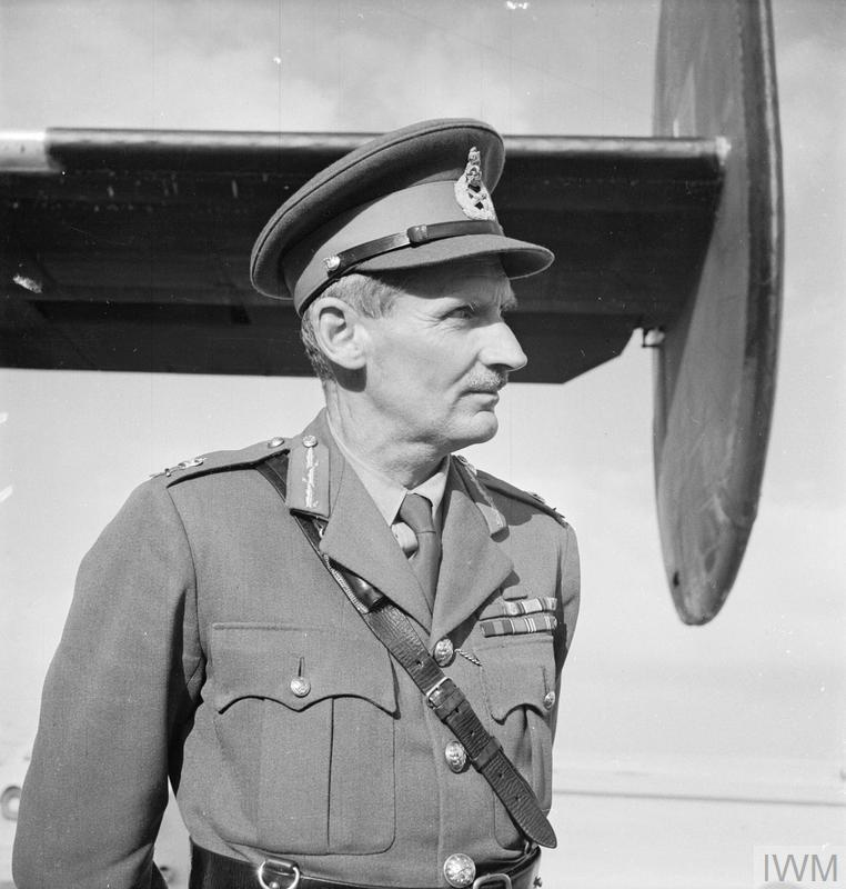 The Second World War 1939 -1945: Montgomery's chance to command a modern battle army came in 1942 when he was sent to Eygpt to replace Auchinleck as commander of the Eighth Army. He was photographed shortly after his arrival by air in Cairo.