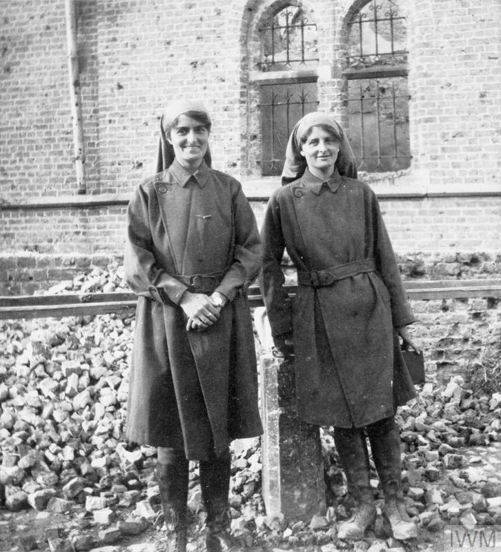 """Elsie Knocker and Mairi Chisholm, """"The Women of Pervyse"""", amongst the rubble in town, 1915."""