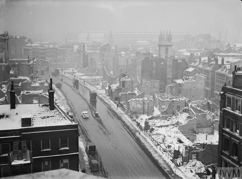 BOMB DAMAGE IN LONDON, ENGLAND, JANUARY 1942