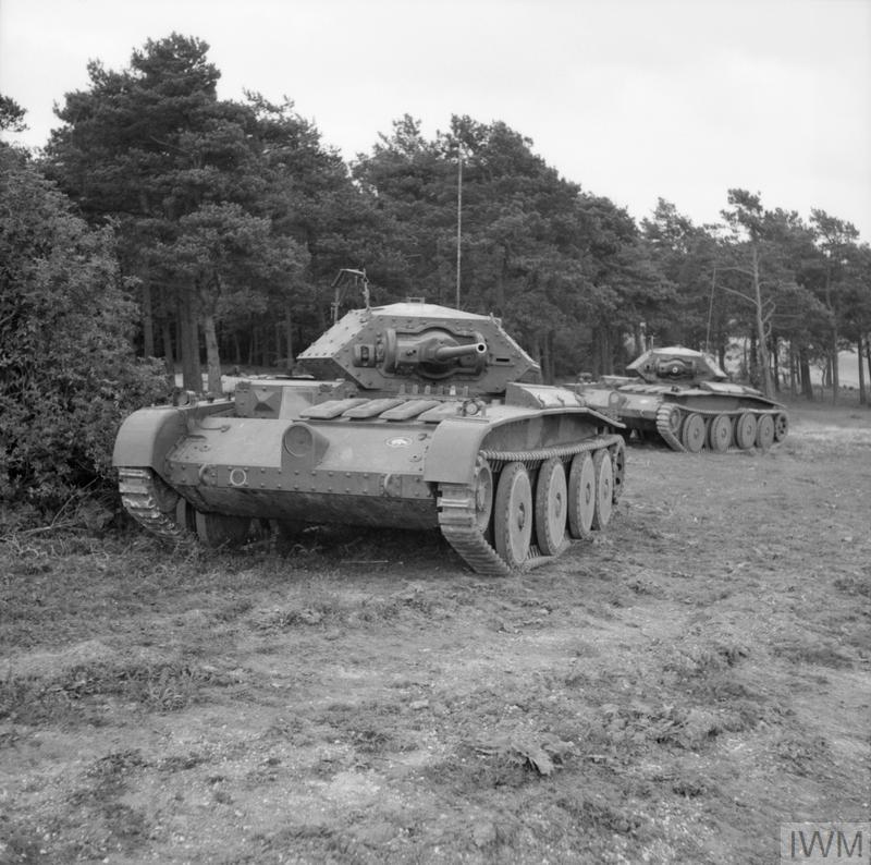 Covenanter tanks advance during Exercise 'Bumper', 30 September 1941.