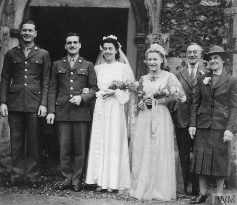 Robert and May Kirschner on their wedding day, 2 November 1943.