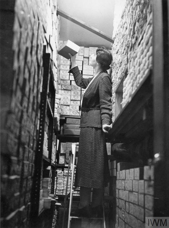 THE WORK OF THE SOUTH AFRICAN VOLUNTEER SERVICE, LONDON, ENGLAND, 1941