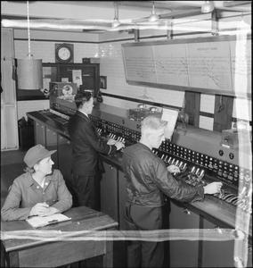 mid 000000 - London Underground's first 'ATO' system - 1932