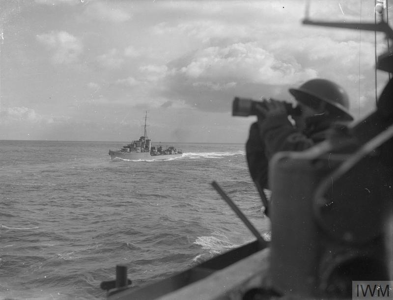 ON BOARD THE DESTROYER HMS KIPLING. 1941.