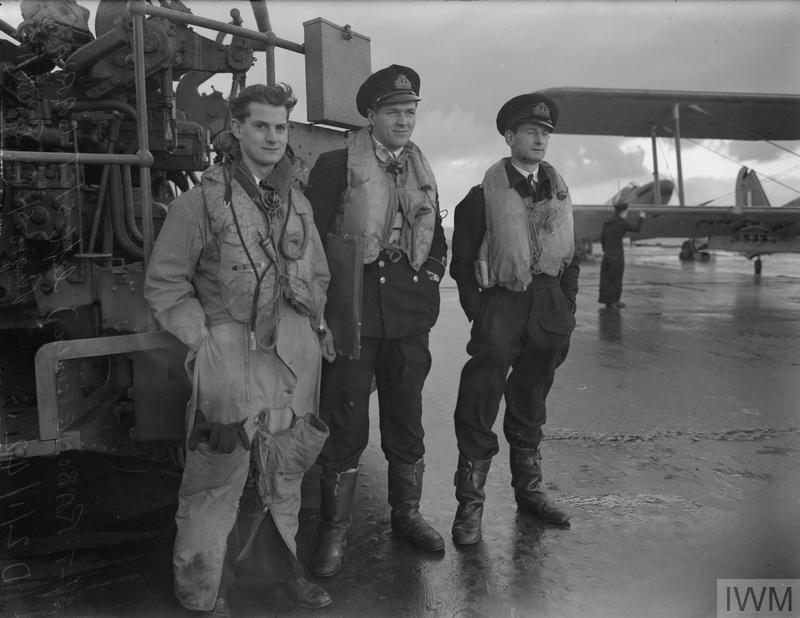 FLEET AIR ARM PILOTS AND OBSERVERS. 2 JANUARY 1941 6cfe16779