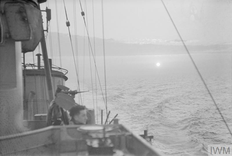 SCENES ON BOARD A DESTROYER. 1940, ON BOARD THE DESTROYER HMS KELVIN.
