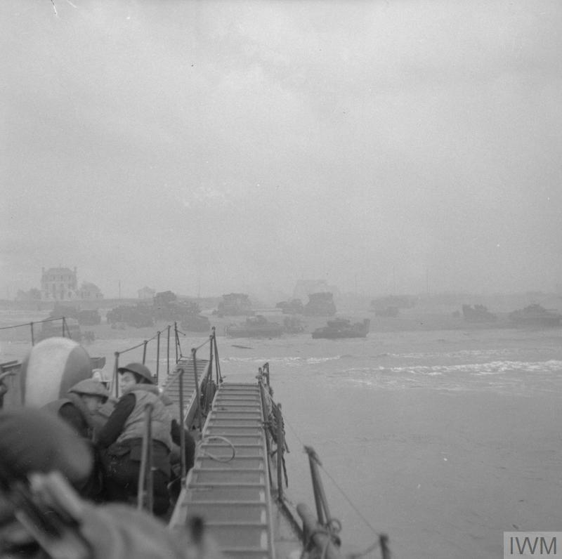 British troops going ashore at Sword Beach