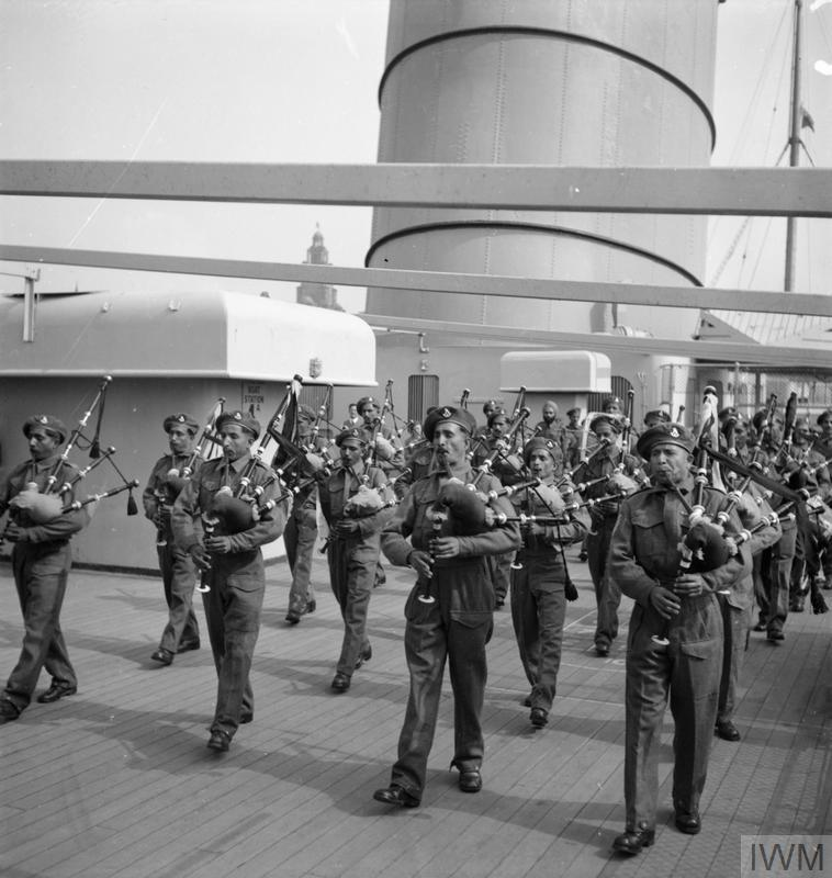 INDIAN CONTINGENT ARRIVES IN ENGLAND FOR VICTORY PARADE, LIVERPOOL, LANCASHIRE, ENGLAND, UK, 1946