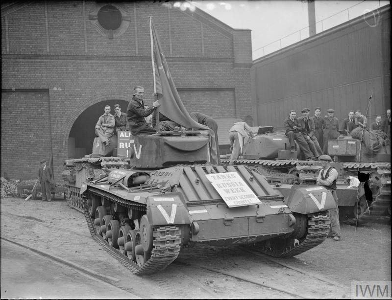 THE PRODUCTION OF TANKS FOR RUSSIA, SMETHWICK, STAFFORDSHIRE, ENGLAND, UK, 1941