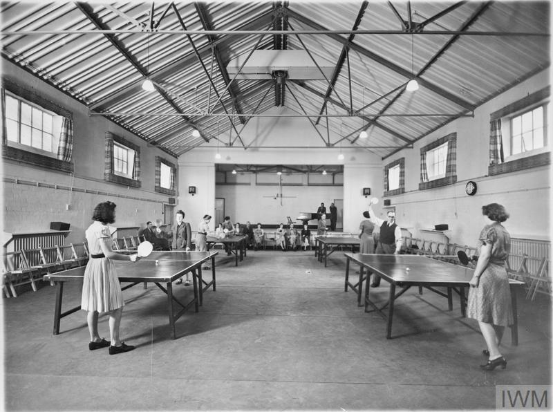LIFE IN A MINISTRY OF SUPPLY HOSTEL, UK, c 1942