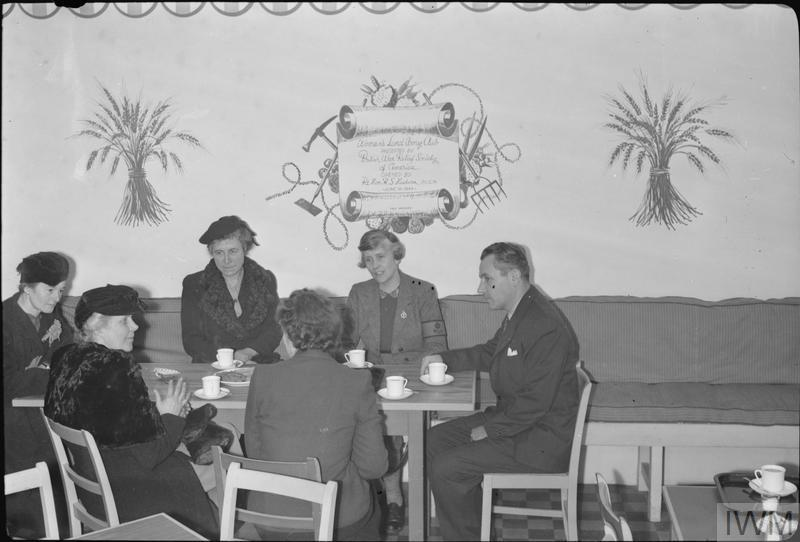 CIO OFFICIAL VISITS BRITISH LABOUR PROJECTS: WOMEN'S LAND ARMY CLUB, LONDON, ENGLAND, UK, 1944