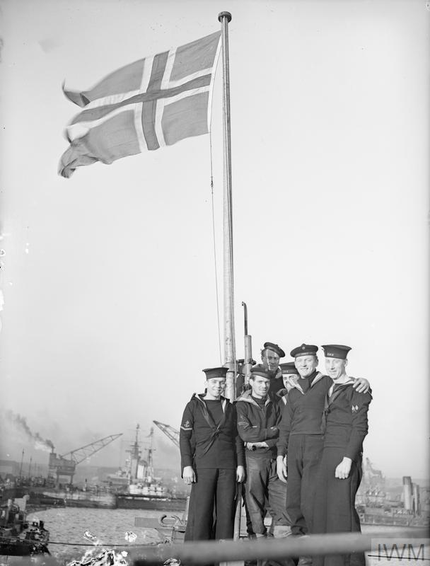 THE STORD BACK AFTER SCHARNHORST VICTORY. 4 JANUARY 1944, ROSYTH. THE NORWEGIAN DESTROYER STORD BACK AFTER HER PART IN THE SINKING OF THE SCHARNHORST OFF THE NORTH CAPE, SHE WAS ONE OF THE DESTROYERS THAT TORPEDOED THE SHARNHORST TO SLOW HER DOWN FOR THE DUKE OF YORK'S GUNS TO TAKE THEIR TOLL.